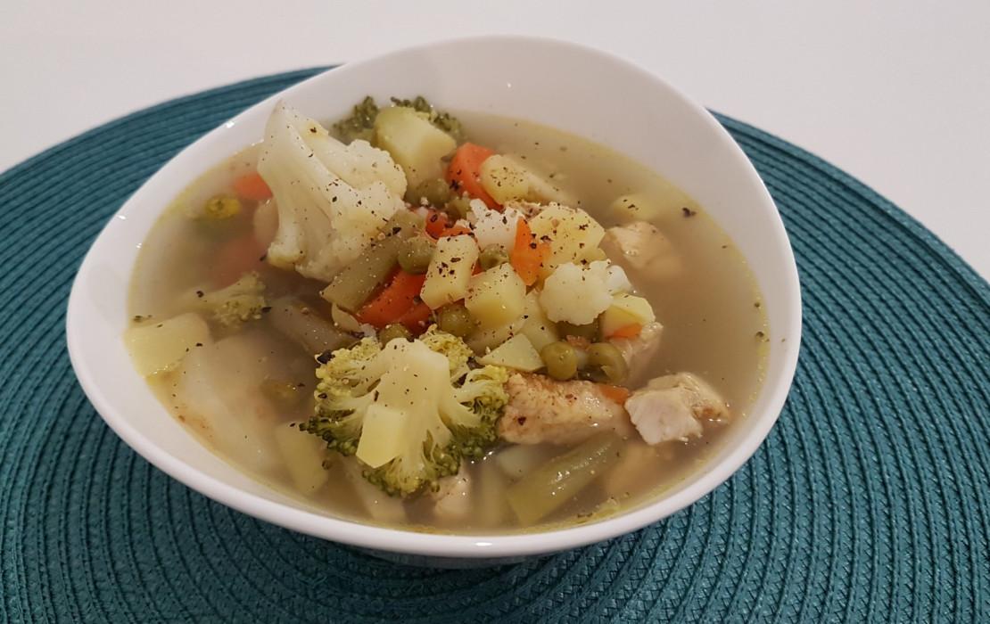 Zupa mięsno - warzywna.