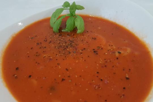 Pomidorowa z ryżem.
