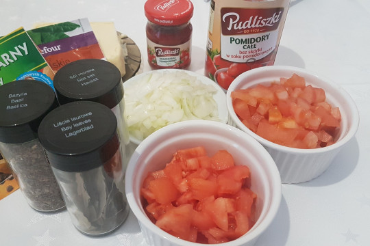 Składniki na pomidorową ;)