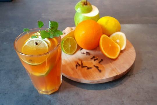 Rozgrzewająca owocowa herbata na jesienno - zimowe wieczory.