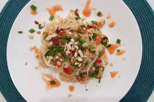 Pad Thai z kurczakiem.